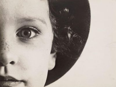 Reconsidering the Object: Researching Interwar Photography in the Digital Age (2014)